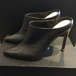 Kenneth Cole Riley 110 Mule Black Backless Heels